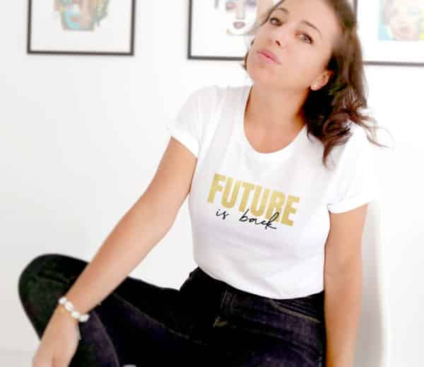 T-shirt femme message future is back