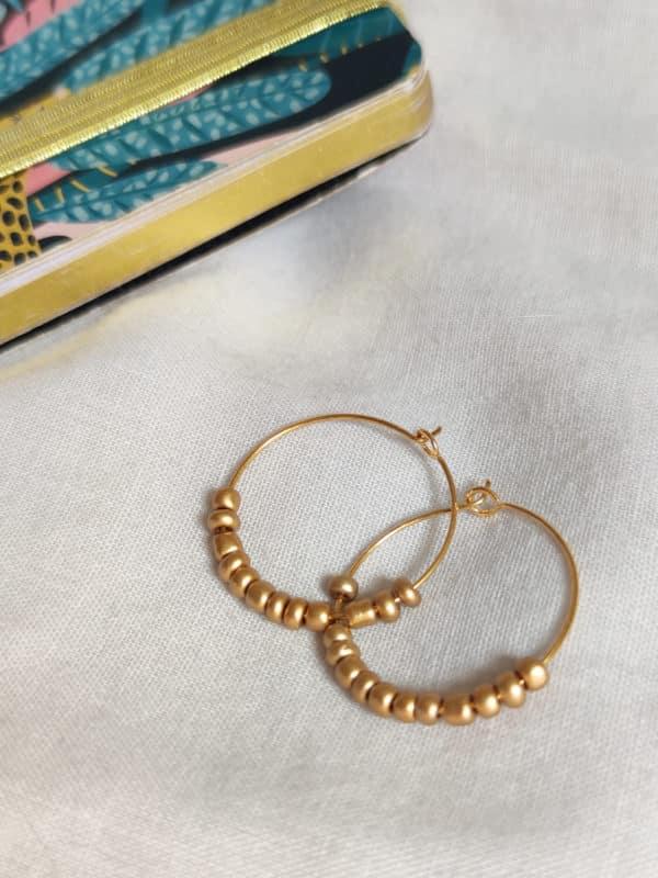Créoles perles dorées