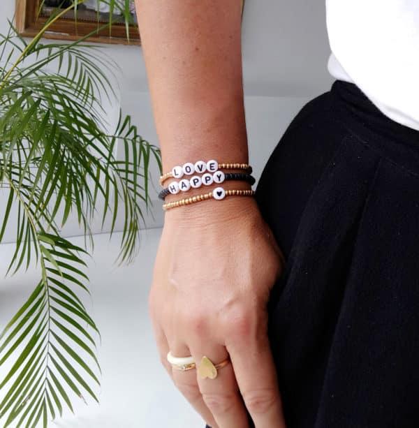 Bracelet perles lettres AMOUR or