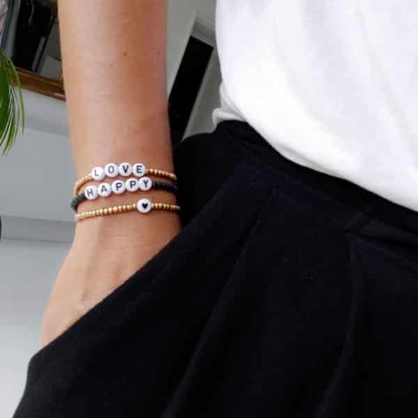 Bracelet perles lettres BISOU or