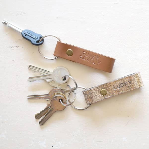 Porte-clés en cuir personnalisé